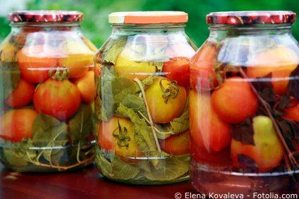 Ganze tomaten einwecken